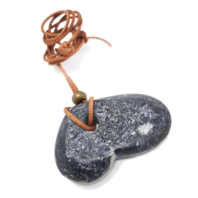 pendente-cuore-grezzo-in-pietra
