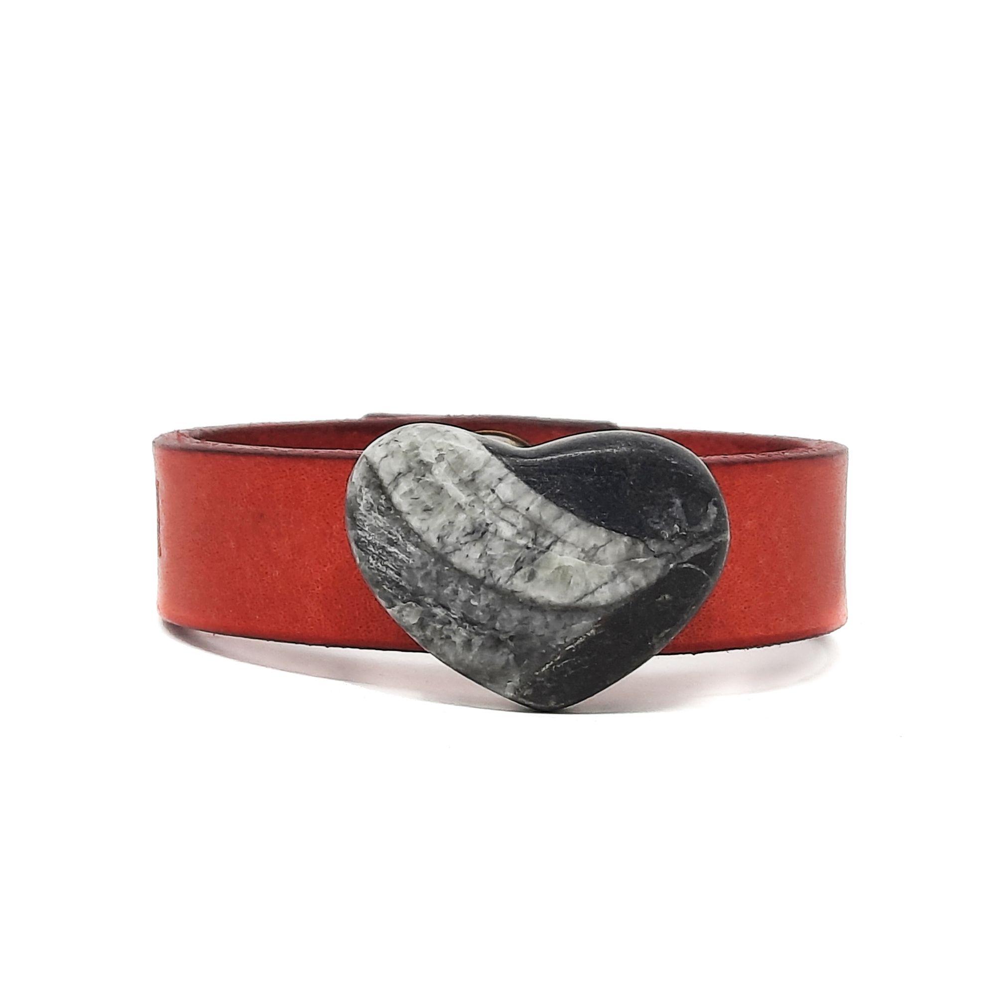 bracciale-cuore-fossile-in-marmo